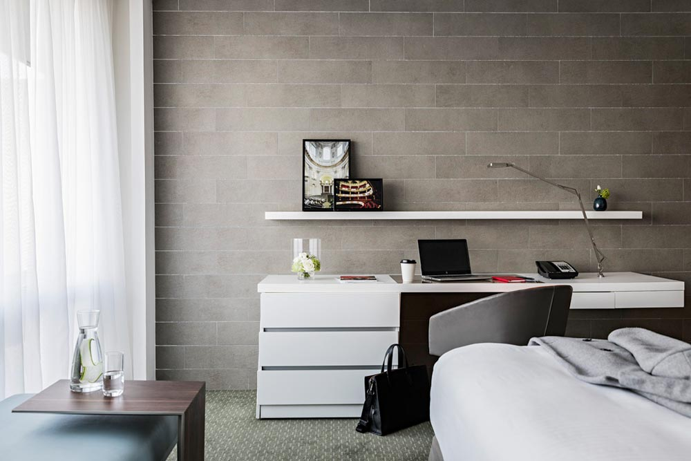 Room with desk